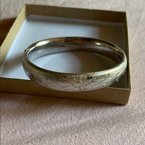 Vintage silver bangle bracelet carved